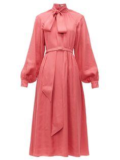 New Erdem Heloisa polka dot-jacquard crepe midi dress. Womens Dresses from top store Pink Fashion, Fashion Dresses, Fashion Tips, Pink Ladies, Mode Rose, Stella Mccartney Dresses, Robes Midi, Pink Gowns, Erdem