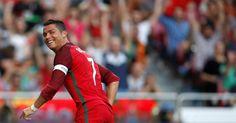 Berita Bola: Ronaldo Sebut Dirinya Pesepakbola Terbaik Dalam 20 Tahun Terakhir -  http://www.football5star.com/international/berita-bola-ronaldo-sebut-dirinya-pesepakbola-terbaik-dalam-20-tahun-terakhir/72797/