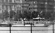"""Der Dampfer """"St.Georg"""" trug von 1911 bis 1936 den Namen """"Galatea""""."""