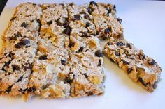 Apple Breakfast Bars from Wholesome Toddler Food - Trade apple for pumpkin, sweet potato or carrot Homemade Breakfast Bars, Apple Breakfast, Breakfast Ideas, Breakfast Recipes, Baby Food Recipes, Snack Recipes, Bar Recipes, Apple Recipes, Baking Recipes