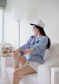 Korea feminine clothing Store [SOIR] White Pants damage Part 5  / Size : S, M, L  / Price : 22.42USD #korea #fashion #style #fashionshop #soir #feminine #special #pants #shorts #cute #unique #white