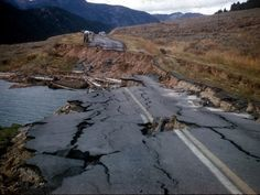 1959 - Yellowstone earthquake - west of Yellowstone Nat'l Park in Montana, killed 28 people. Wikipedia, the free encyclopedia Earthquake Hazards, Earthquake And Tsunami, Earthquake Damage, Natural Disasters, Science And Nature, Terra, Mother Nature, Entertainment, Science