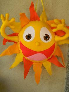Personagem sol do desenho infantil Mundo do Bita. Confeccionado em feltro e fibra anti-alérgica.  Ideal para decoração de festa de aniversário e quarto infantil.