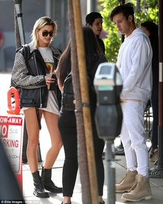 Hailey Baldwin joins Cameron Dallas for lunch at Urth Caffe