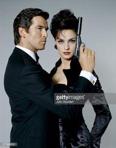 James Bond Connoisseurs Collection Volume 2 FX Tech Chase Card W13
