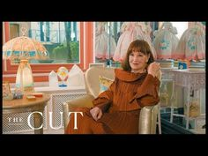 As the news breaks that the American heiress, socialite and artist Gloria Vanderbilt has died at the age of a look back at New York magazine's marvellous tour of her Manhattan apartment. Gloria Vanderbuilt, Manhattan Apartment, Old Money, Upper East Side, Diy Furniture Projects, High Society, Celebrity Houses, Pent House, Decoration