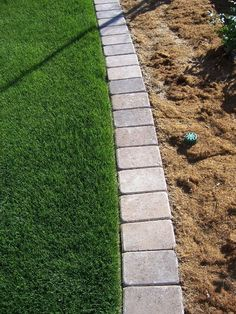 Paver Mow Strip for garden edging. So tired of having to rely on string trimmers. Would be nice for the front garden. Back Gardens, Outdoor Gardens, Flower Bed Edging, Diy Flower, Flower Bed Decor, Flower Garden Borders, Rock Flower Beds, Front Yard Landscaping, Landscaping Ideas