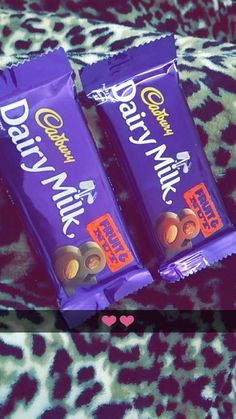 ••glaxmoon•• insta: mina.cute14 Chocolate Cadbury, Dairy Milk Chocolate, Chocolate Pies, Love Chocolate, Chocolate Lovers, Cadbury Dairy Milk, Chocolates, Dairy Free Pizza, Canned Blueberries
