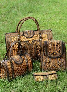 Banda Bags offers a wide range of Handcrafted Vegan Handbags - Weekender Bags, Nano Handbags, Cross-body bags, Hats, Cosmetic case online. Unique Handbags, Carpet Bag, Vegan Handbags, Round Bag, Girl Swag, Casual Bags, Style Fashion, Fashion Ideas, Bag Sale