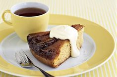 Made with in-season apples, this moist cake is easy to whip up for any family occasion Apple Cake Recipes, Baking Recipes, How To Make Caramel, Pie Tops, Moist Cakes, Round Cake Pans, Caramel Apples, No Bake Cake, Sweet Treats