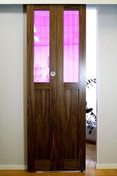 JORO Taitto-ovi värilasilla Ovet, Armoire, Lockers, Locker Storage, Cabinet, Furniture, Home Decor, Clothes Stand, Clothes Stand