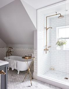 Salle de bain chic à l'étage (suite) | Maison & Demeure