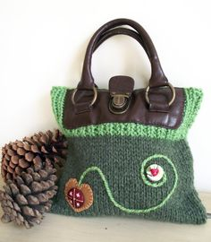 Hey, I found this really awesome Etsy listing at https://www.etsy.com/listing/130210238/stylish-knitted-green-handbag-with