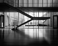 Staircase of the Art Institute of Chicago | Modern Wing : Renzo Piano | Angie McMonigal Photography