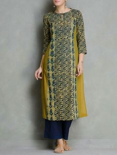 Kalamkari Dresses, Ikkat Dresses, Kurta Designs Women, Salwar Designs, Dress Neck Designs, Blouse Designs, Ethnic Fashion, Indian Fashion, Indian Dresses