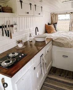 Bus Life, Camper Life, Camper Van, Bus Living, Tiny Living, Steyr, Teardrop Camper Plans, 100 Life Hacks, Caravan Home