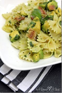 Bacon Basil Avocado Pasta