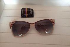 Lunettes de soleil papillon vintage sur la brocante vintage Luckyfind - 30€ f26d373318e3