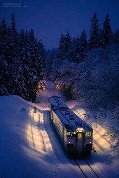 Snow Train - Japan |  photo via marilyn