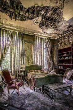 Chateau-Secession-Lost-Place-Urbex-Frankreich-21.JPG
