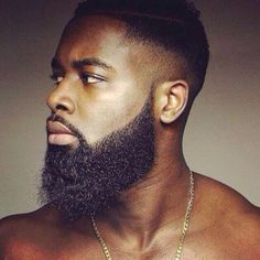 35 Black Men Beard Styles Just like hairstyles, facial hair trends evolve and fall in and out of fashion all the time. Here are 35 popular and stylish beard styles for black men. Beard Growth Oil, Beard Oil, Hair Growth, Beard Styles For Men, Hair And Beard Styles, Barba Sexy, Sexy Bart, Black Men Beards, Long Haired Men