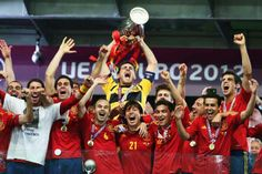 Spain top Fifa ranking for sixth year running