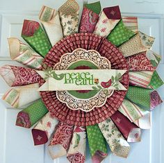 Paper Issues: Christmas Wreath