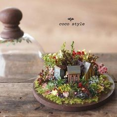 Miniature Houses and Original Garden Designs, Floral Art by Coco Style Miniature Crafts, Miniature Houses, Miniature Fairy Gardens, Miniature Dolls, Zen Gardens, Fall Flower Arrangements, Miniature Furniture, Miniture Things, Fairy Houses