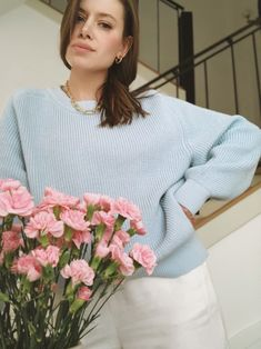 Свитер бойфренда голубой | DASHA PHI Bell Sleeves, Bell Sleeve Top, Ruffle Blouse, Pullover, Tops, Women, Fashion, Moda, Fashion Styles