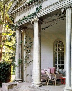 Interior, Inspiring Marvelous Italian Villa Interior Design Creativity: Awesome White Rustic Pillar On Terrace With Greek Themes