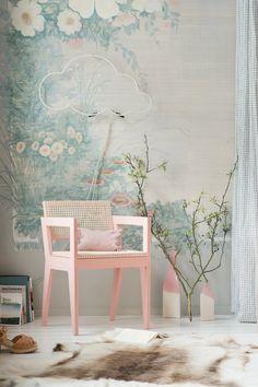 DIY déco : une chaise en bois recouverte d'un tissage végétal en rotin - upcyling - récup - Marie Claire Idées