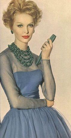 Sara Thom, Vogue 1960
