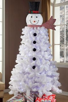 Snowman Christmas Trees Are A Thing And We Obsessed