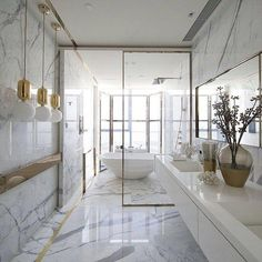 30 Bathroom Ideas by Famous Interior Designers