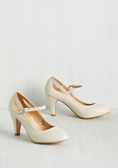 Profesh My Memory Heel. These vegan faux-leather pumps are a stylish reminder that versatility is vogue! #cream #modcloth