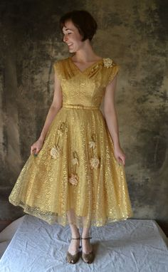 1950s Gold Leaf Lace Party Dress by Petrune on Etsy, $250.00 ~ If I could fit in this dress I'd get married in it!