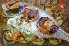 Pargo al horno con patatas En mi barrio (que es el de ses Païsses, en el municipio ibicenco de Sant Antoni) hay una pequeña pescadería (Algar) en la que tienen básicamente lo que ha pasado esa mañana por la cofradía de pesca…