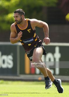 Paul Puopolo Photos - Paul Puopolo of the Hawks runs during a Hawthorn Hawks AFL pre-season training session at Waverley Park on December 2015 in Melbourne, Australia. Rugby Men, Little Bit, Sexy Men, Hot Men, Rugby Players, Male Poses, Sport Man, Athletes, Hot Guys