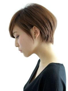 Normally short hair makes you appear much younger. But short hair does not suit every type of face. These Short bob hairstyles for different type of hair. Asian Short Hair, Asian Hair, Girl Short Hair, Asian Pixie Cut, Short Haircut, Pixie Haircut, Short Hairstyles For Women, Corte Pixie, Shot Hair Styles