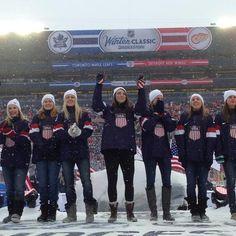 Lindsey Fry and the 2014 USA Women's Olympic Ice Hockey Team Usa Hockey, Ice Hockey Players, Women's Hockey, Hockey Girls, Olympic Team, Olympic Games, Sport Hall, Girl Pics, Ice Hockey