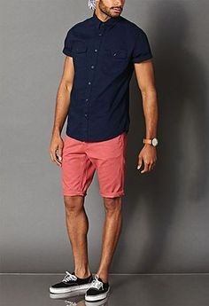 35 Most Popular Mens Summer Fashion 2018 Camisa azul con pantalones cortos de color rosa. The post 35 Most Popular Mens Summer Fashion 2018 appeared first on Summer Ideas. Best Casual Shirts, Trendy Mens Fashion, Men Fashion, Fashion Ideas, Mens Fashion Shorts, Men Summer Fashion, Fashion Styles, Fashion Guide, Style Fashion