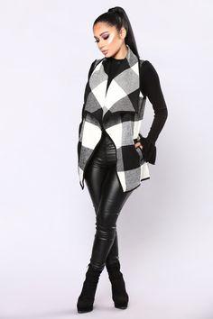 Cabin Fever Plaid Vest - Black/White