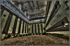 Laboratório de Pesquisa de Armas Atômicas_Câmara de Teste de Vibrações | Orford_Inglaterra | Construído em 1956 e abandonado em (?)