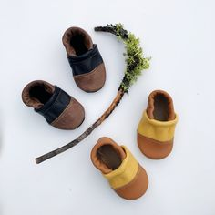 Two-Tone Leather Loafer Baby and Toddler Shoes (Lodge/Black, Mustard/Camel)