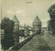 Broeltorens te Kortrijk.Foto uit WOII.