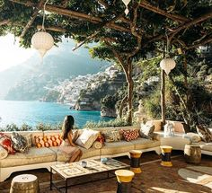 Storybook-Einstellungen in der Villa Tre Ville in Positano, Italien mit freundli… Storybook settings at Villa Tre Ville in Positano, Italy courtesy of Nicole Isaa … Positano Italien, The Places Youll Go, Places To Go, Beautiful World, Beautiful Places, Beautiful Pictures, Places To Travel, Travel Destinations, Travel Trip