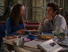 Gilmore Girls S02 E19 - Teach Me Tonight