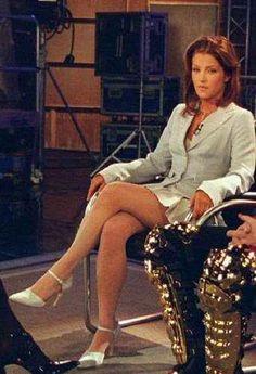 Lisa next to Michael Jackson during their Diane Sawyer interview Lisa Marie Presley, Diane Sawyer, Call Her, Elvis Presley, First Night, Michael Jackson, Pretty Woman, Sexy Women, Interview