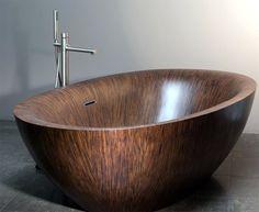 Banheira de madeira (wood bathtub) Alegna — Laguna Pearl, frei stehende Holzbadewanne garantiert pures Badevergnügen