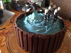 How to train your dragon cake looks great!:)